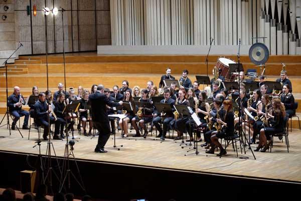 picture SAXOPHOBIA: Koncert 60-členného saxofónového orch.