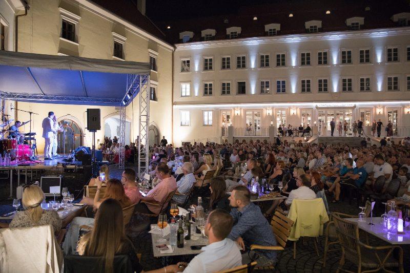 picture OLYMPIC na zámku – exkluzívny koncert