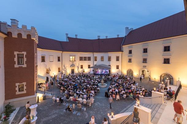 picture Večer s  Karolom Duchoňom na zámku