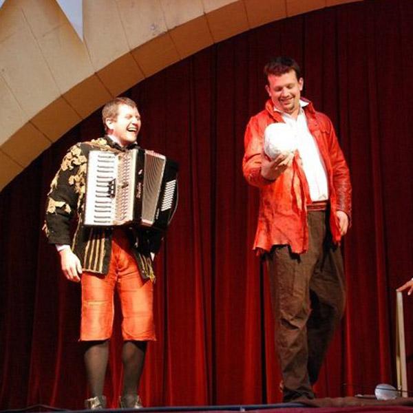 Hamlet alebo nalez lebky - 250.repríza!!!