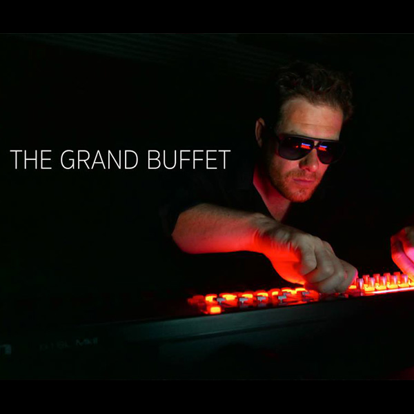 THE GRAND BUFFET koncert