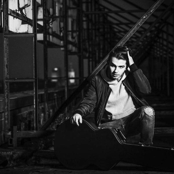 Živý utorok: Andreas Varady Trio